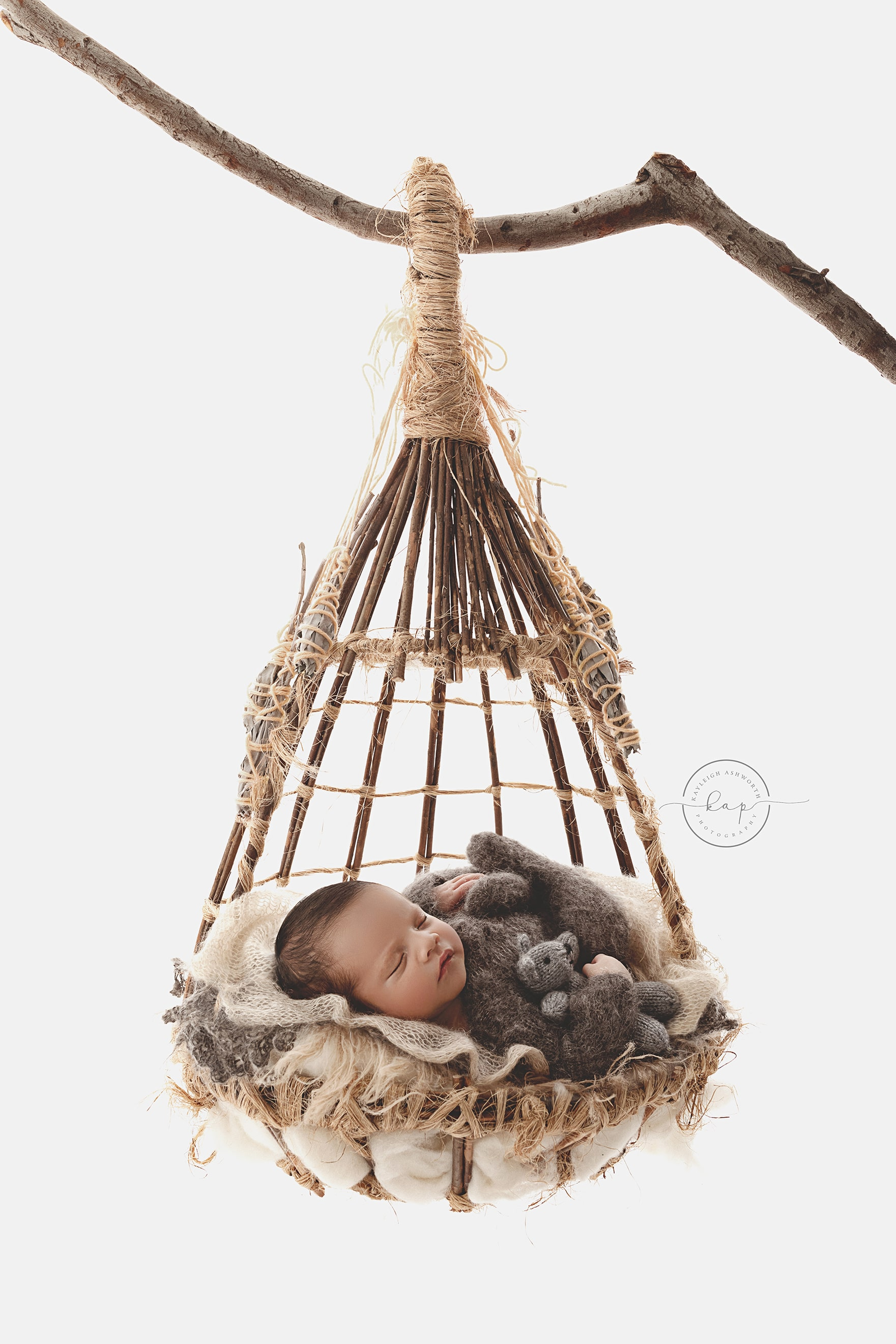 A newborn photoshoot by Kayleigh Ashworth